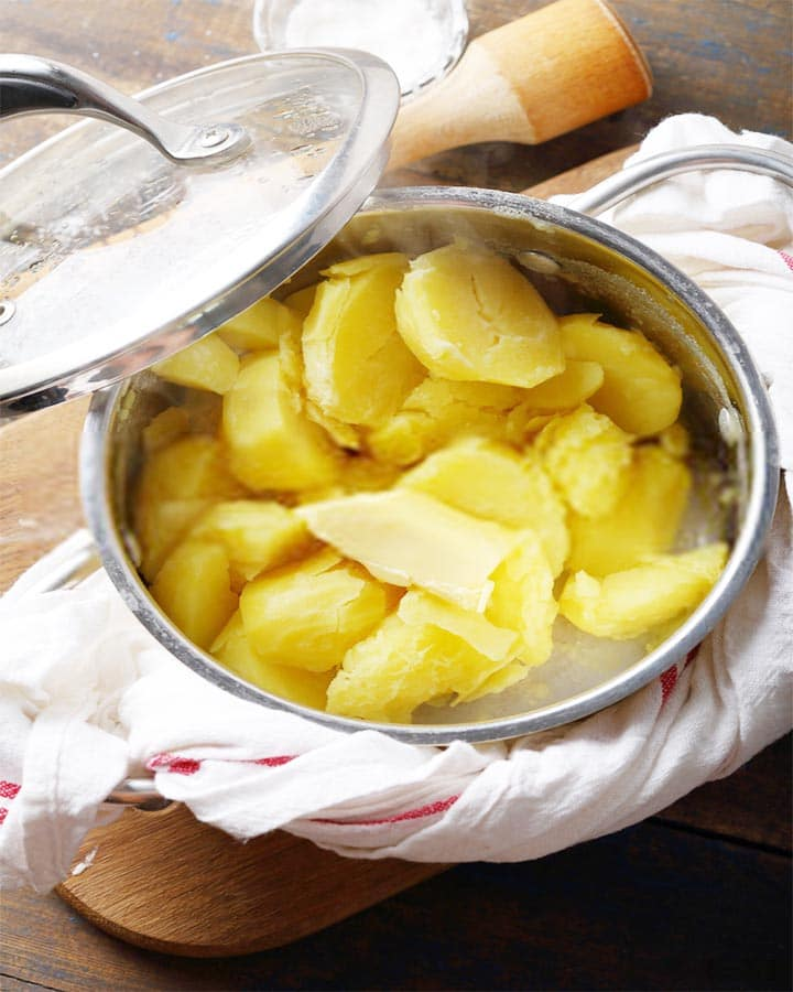how long does it take to boil potatoes