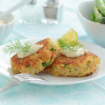 crab cakes with ritz crackers